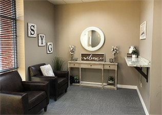 Olathe-dentist-office-sitting-area-SYGD